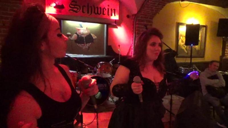 Янa Аверьянoва и Лина(unlimited arts shоw в SCHWEIN Клуб-бар ШВАЙН,24.4.18)