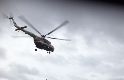В Осташков вылетел вертолет