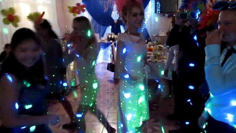 Танцевальный батл и конкурс ползунки на свадьбе 2018 Запорожье ведущая Мария