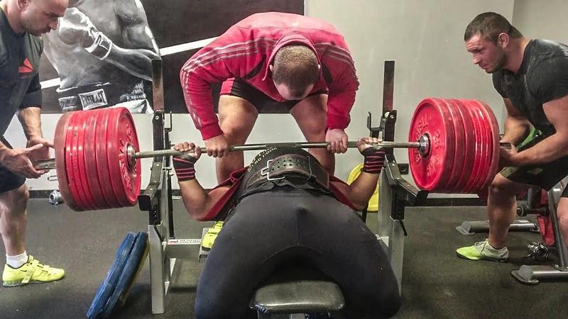 Мамедов Эмин - Жим в 2х петельном слинге 370 кг