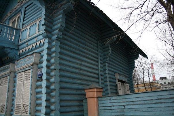 В конце 1970—80 годах в избе располагался общественный музей «Слово о полку Игореве». А в 2014 году офис строительной фирмы.  26 ноября 2017