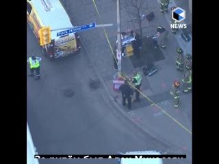 Наезд на пешеходов в Торонто: 10 погибших, 15 пострадавших