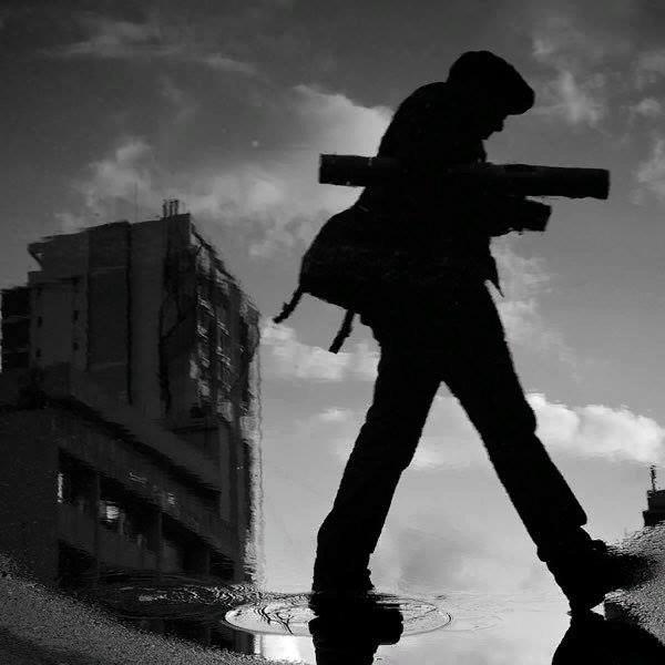 Швейцарец Томас Лойтхард, также известный как 85 мм один из самых популярных уличных фотографов современности. Он не имеет специального образования. Путешествует по городам, снимая обитателей