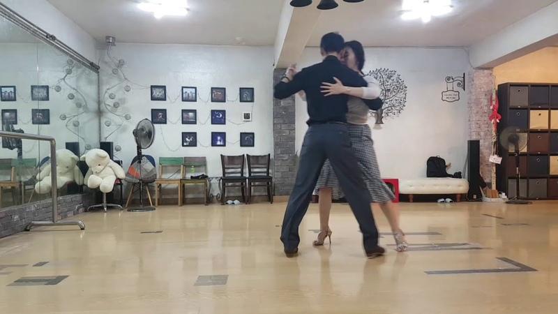 [누에보 탱고 응용시연] 엘앤티 수요 저녁반 18-5-3차 Nuevo tango application8. gancho y boleovolcada atras