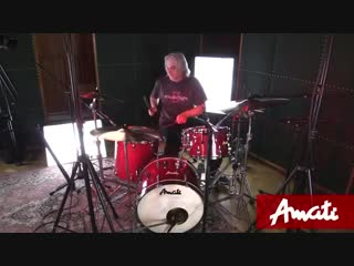 Studiofight: Ludwig vs. Amati drums test!)
