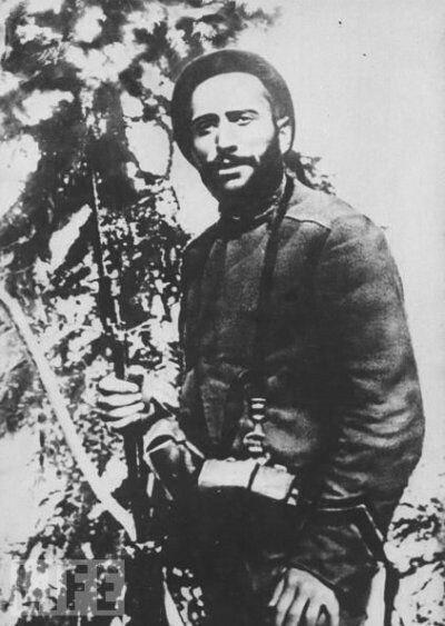Молодой капрал Бенито Муссолини в полку берсальеров, 1917 год.