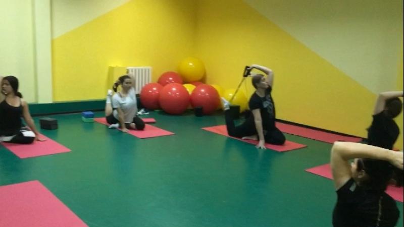 Stretching Растяжка на спину и плечи