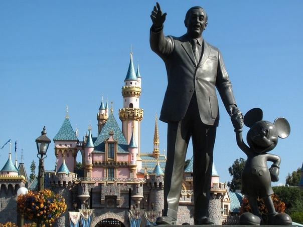 МИККИ НАВСЕГДА 18 ноября считается днем рождения самого знаменитого мышонка в истории. Но реальная биография Микки Мауса не совпадает с легендами. Конечно, время наибольшей популярности Микки