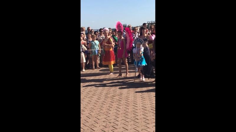 Бразильский карнавал (Леонтьева Виктория)снегурочка Степанушкина Надежда)❄️☃️⛄️
