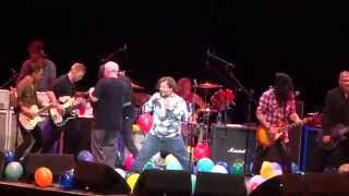 Foo Fighters ~ Immigrant Song ~ with Tenacious D Slash ~ Forum ~ 1.1015