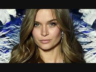 VS Model Josephine Skrivers Angel Wings Workout E! News