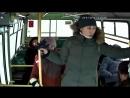 Девушка расплатилась в автобусе школьной картой