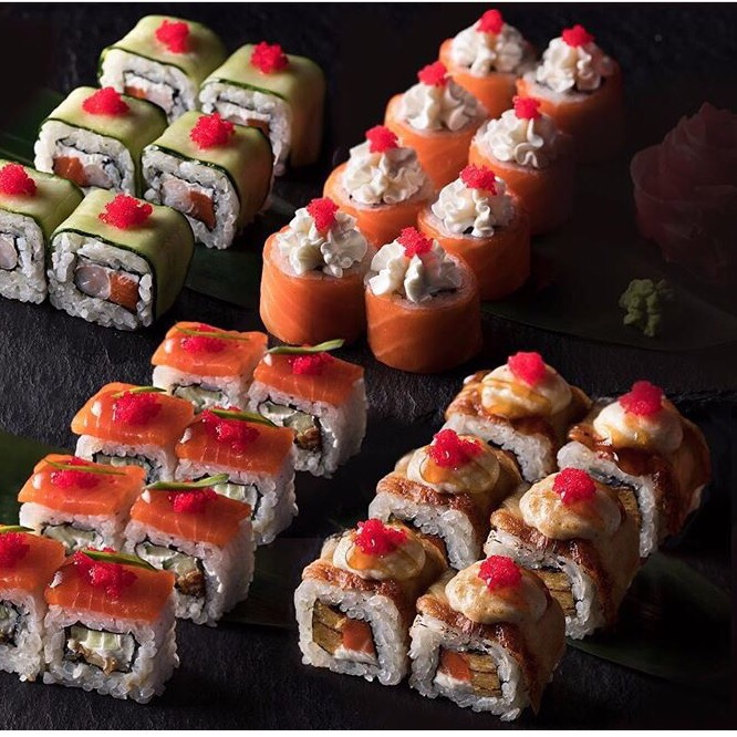 Только по вторникам мы добавляем капельку ( а вернее порцию) Азии в новую неделю с 18:00 до 23:00 при заказе роллов угощаем вторыми такими же абсолютно бесплатно!