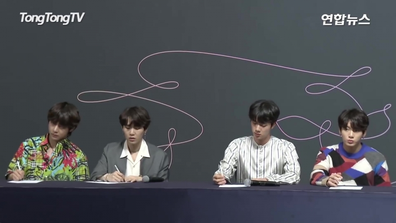 """180524 """"LOVE YOURSELF 轉 Tear"""" Press Conference"""
