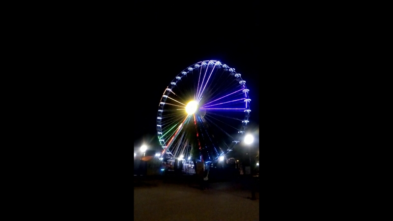 Самое высокое колесо обозрения в Бердянске)) очень красивое))