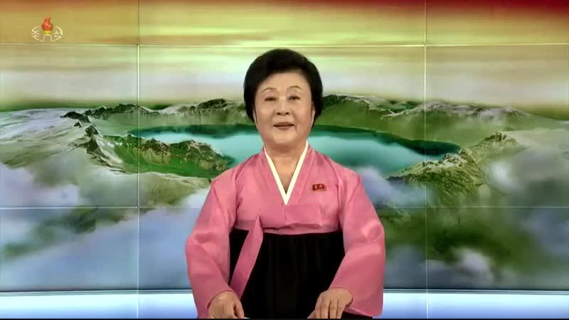 경애하는 최고령도자 김정은동지께서 조중예술인들의 합동공연을 관람하시였다
