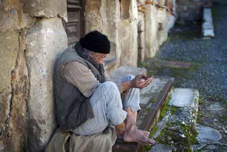 Консультанты могут сосредоточиться на определенных группах с зависимостью, включая бездомных.