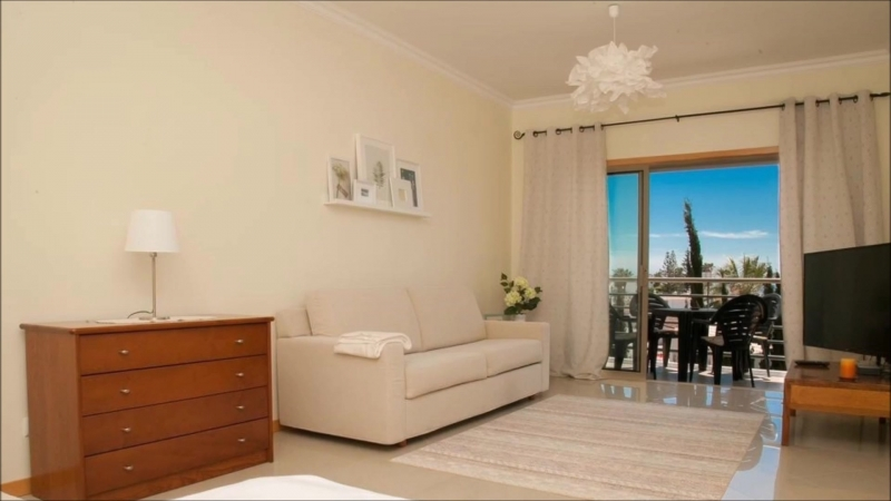 Apartment for rent with Аtlantic ocean view, pool and tennis court in Albufeira, Portuga