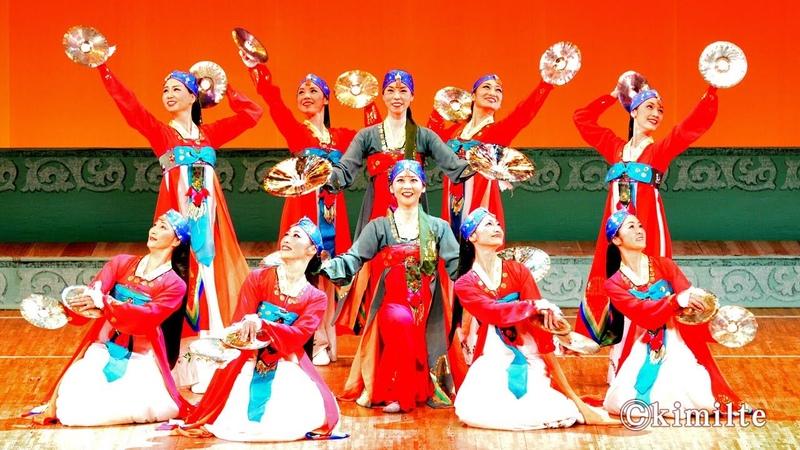 朝鮮舞踊 踊る舞姫達 조선무용 《춤추는 무희들》 2013.11