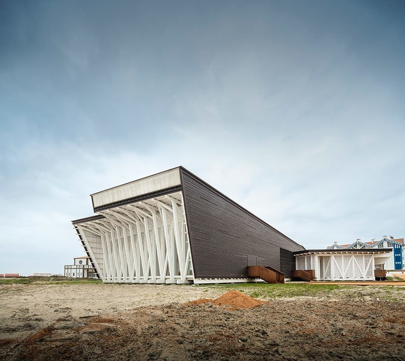ARX Portugal completes timber costa nova social and cultural center