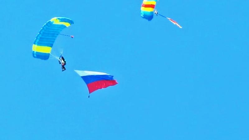 День ВДВ в Твери. Прыжки с парашютом. 2.08.2018