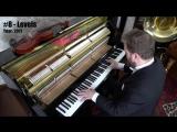 10 песен диджея Avicii исполнили на пианино
