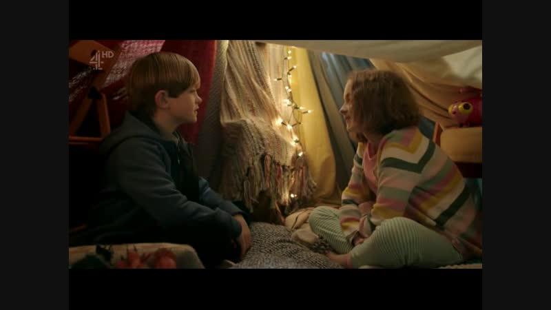 фрагмент из сериала Люди: разговор ребенка и ребенка-андроида