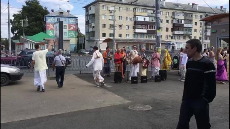 В Казани хари кришна зажигают