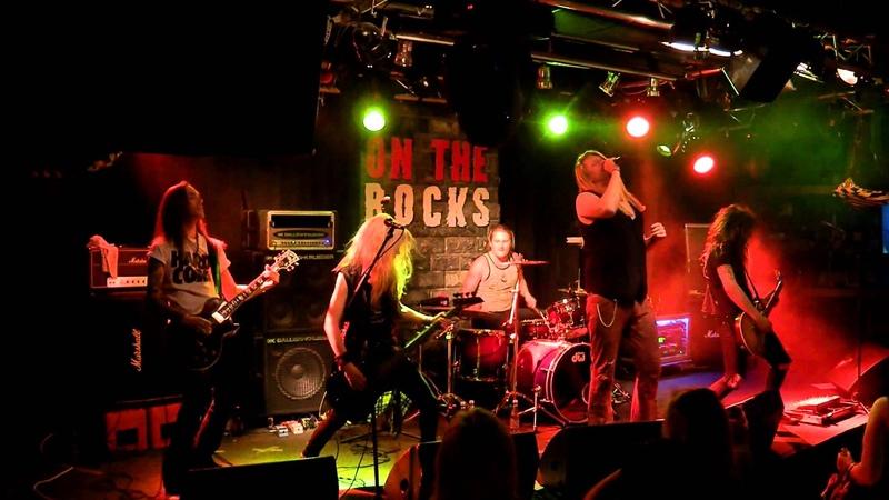 Rocket Queen - Night Train (G'n'R cover) @ On The Rocks, Hellsinki 05.12.2013