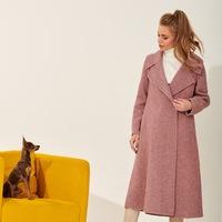 ebb3d4e5ec6 Шерстяное пальто трендового оттенка Mellow Rose с узором елочкой TOP20  Studio
