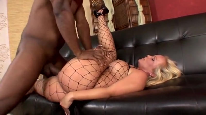 Video_milf_grid_boobs_ass_twerk