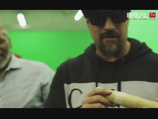 Mike Tyson & B-Real Smoking a 3 Oz. Joint