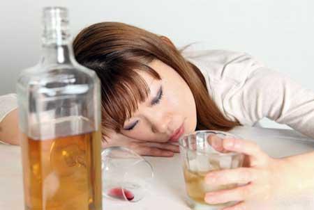Злоупотребление алкоголем может быть причиной гепатомегалии.