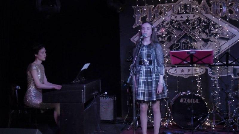 В горнице (сл.Н.Рубцов,муз.Морозов А.) - Кучеренко Лиза (Вокал,фортепиано) - Кристина Бикмаева