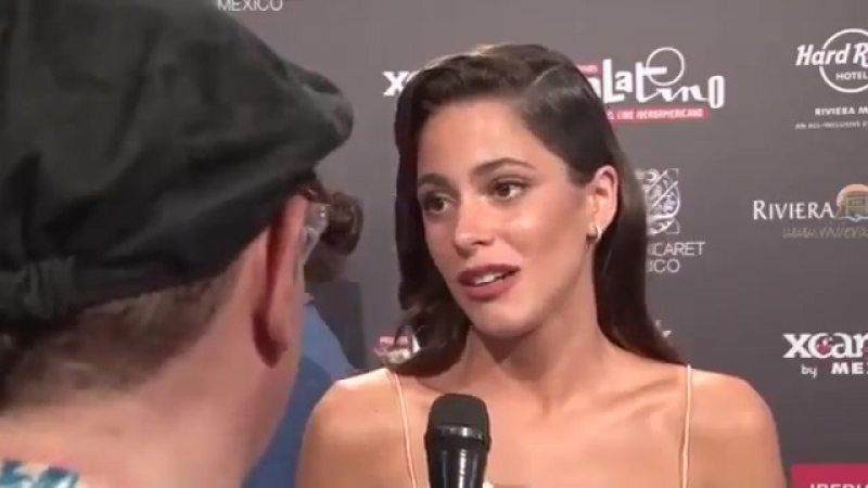 Tini Stoessel | Interview on the Red Carpet at the PREMIOS PLATINO 2018 in Mexico