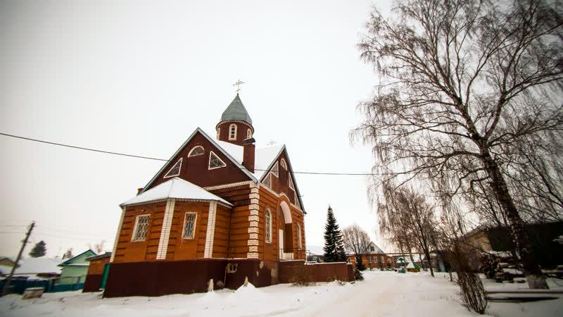 Литургия в храме святителя Гурия Казанского в селе Ципья