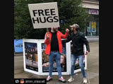 Free hugs)