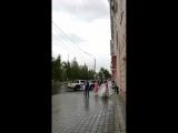 Танцы под дождем?
