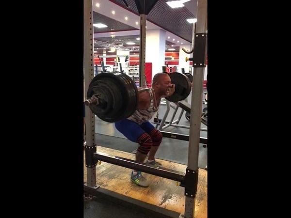 Приседания 210 кг с остановкой в седе ( 11 ). Paused back squats 210 kg ( 11 ).