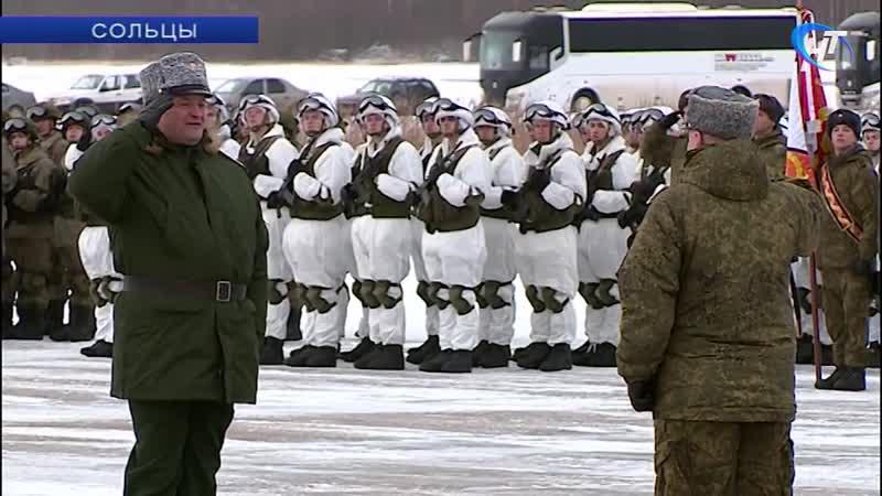 В Сольцах провели репетицию парада к 75-й годовщине освобождения Новгорода от фашистов