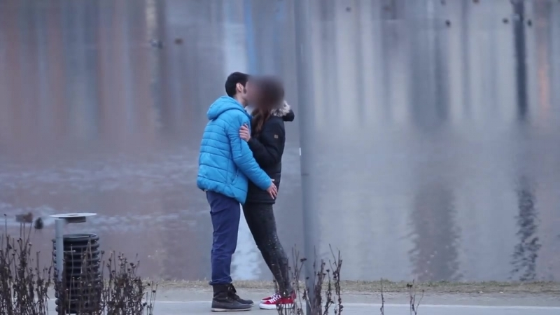 Easy Way to Get a Girl to Kiss You (Sadam)