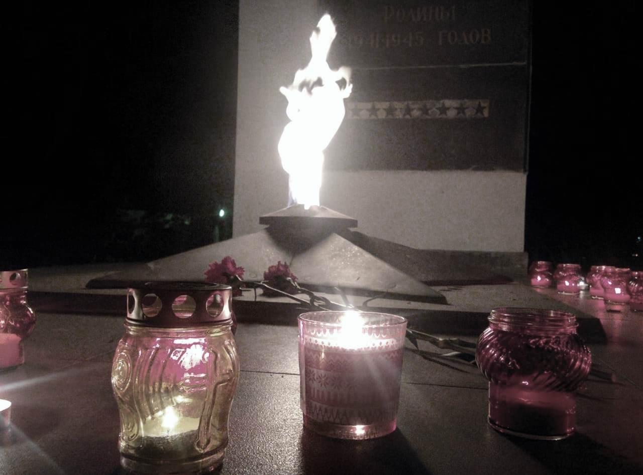 «Красный котельщик» зажег «свечи памяти»