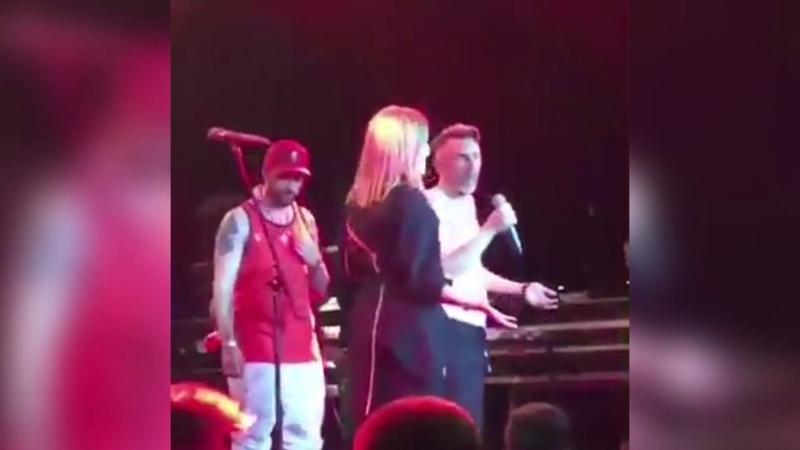 Сергей Шнуров и Собчак на сцене мирись с женой сука