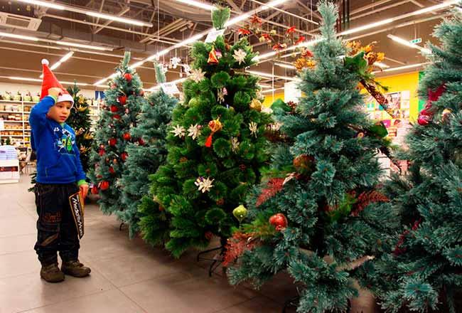 Каковы преимущества искусственных рождественских деревьев?