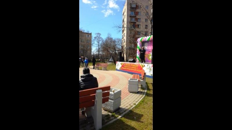 Праздник Победы на новой детской площадке рядом с нашим домом