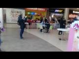 Дети хором поют песню в исполнении Егора Крида в Жемчужине Сибири