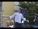 Море эмоций и позитива Стас Костюшкин поздравил ельчан с Днём города