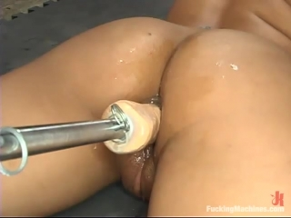 Jasmine Byrne - FuckingMachnes.com - Jasmine Byrne Gets Her Ass Smashed By A Fucking Machine