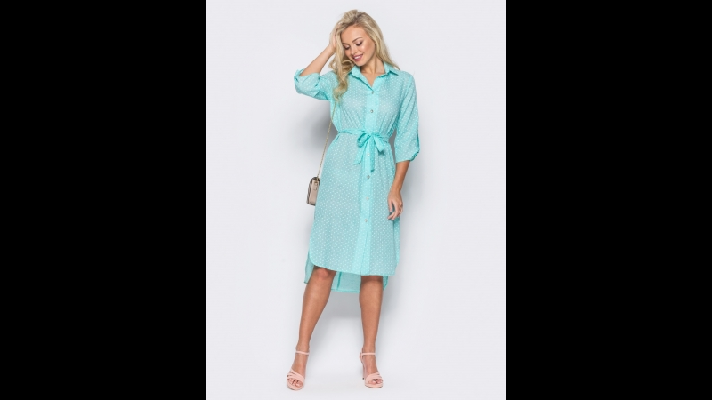 Стильное платье-рубашка с отложным воротником и удлинением по спинке. Рукава длиною 34 со шлевками. Пояс в комплекте. Застегива