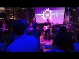 Послушали песни Виктора Цоя под живые звуки гитар и барабанов:))